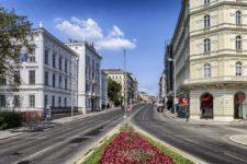 Výhody a nevýhody života ve městě
